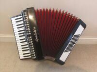 Galotta 72 Bass Piano Accordion/Accordian with hard case - Ready to play.