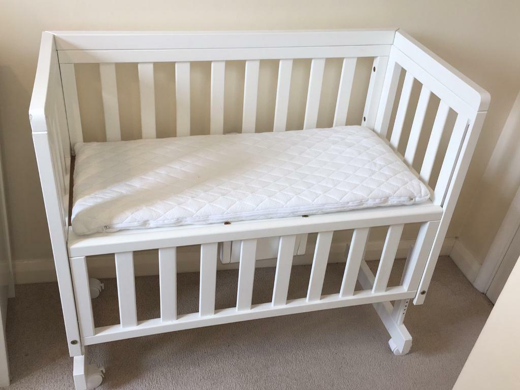 Baby bed co sleeper - John Lewis Troll Bedside Crib Co Sleeper Cot White Mattress 2