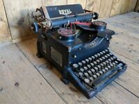 Typewriter decorative antique vintage industrial display window dressing gplanera