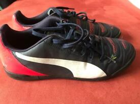 Puma EVO Power 4 trainers Size UK 5.5