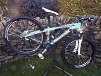 Bianchi Kuma 27.1 Mountain Bike (small adult frame)