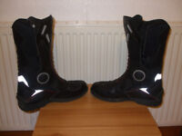 Gents motorcycle boots. Size 10. Like new!