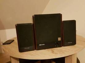 Microlab 2.1 FC330 tv or pc speakers set awesome sound and good looking wood