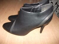 Womens black heals shoes SIZE 6,5 George