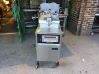 CATERING COMMERCIAL HENNY PENNY 8000 MODEL FRIED CHICKEN PRESSURE FRYER MACHINE FAST FOOD TAKE AWAY