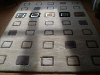 LARGE LOVELY CARPET WITH SQUARE PATTERNS AND 5 WITH METAL TRIM