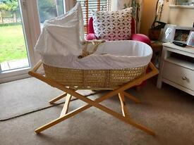 Clair De Lune Dimple Palm basket & Mamas & Papas stand