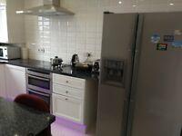 double bedroom – Walking Napier, direct bus city centre, HWU