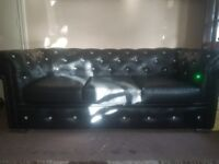 3 SEATER CHESTERFIELD SOFA WITH DIAMONTES