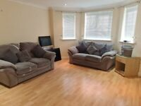 2 dble bed/ 2 bath Furnished or Unfurnished Flat *Private* Nr all amenities* M6/M62/M55 * avail now!