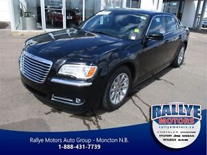 2013 Chrysler 300 Touring, Sunroof / Leather, Warranty