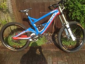 Gt Fury Expert Mountain Bike.large..New Tyres& Grips.V/G condition.+Fox clothes.Hat @ Goggles.fewnew
