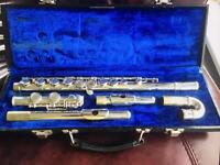 Armstrong Student Flute 104 with additional curved head attachment