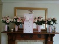 PARTY/ANNIVERSARY/WEDDING TABLE DECORATIONS-4 X ROSES & VASES, 1 DECORATED PILLAR BOX