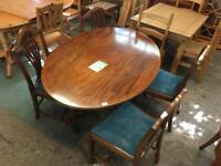Table + chairs (red W.937)