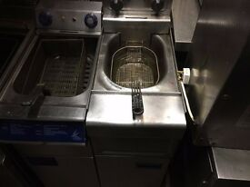 UPRIGHT ELECTRIC SINGLE FRYER CAFE RESTAURANT CATERING COMMERCIAL KEBAB CHICKEN HOTEL PUB BAR