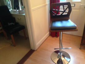 Stylish stool For Sale