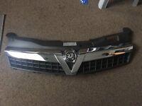 Vauxhall astra 3 door MK5 front bumper mesh grille / grill