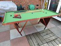 Snooker Table with balls Trangle, score board and Rest Cues and chalk 7ftx3 1/2 foot approx