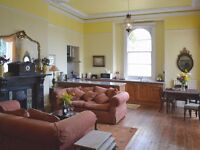 Furnished 1 bedroom flat, £625 pcm to include Council Tax, water rates, CH. Communal garden.