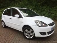 FORD FIESTA 1.4 TDCi ZETEC CLIMATE••5 Door••£30 Year Tax