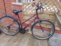 Ladies Apollo cx.10 Bicycle in very good condition with free helmet