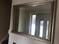 Mirror in excellent condition
