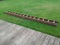 Double wooden ladder (14 rung)
