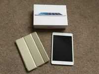 iPad mini Wi-Fi 16GB White, ESR gold cover, USB cable and adapter