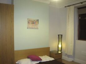 *Double Room Close to the City Centre £310