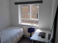 Cozy Room in Camden Town