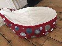 Doomoo Seat - Baby bean bag from birth to 30 kilos