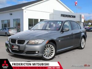 2011 BMW 328 i xDrive REDUCED | AWD | HEATED LEATHER | SUNROOF