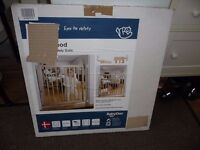 BabyDan NO TRIP WOODEN BEECHWOOD BABY STAIR, PET SAFETY GATE BOXED see details
