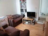 Lovely 2 Bed Flat On Grenfell Road Ideal For Sharers Or Students Mins Tooting Rail Station Must See