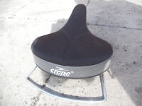 CRANE SPORTS TRAINING BIKE SEAT----------HINDLEY GREEN