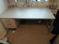 Large office desk, with 2 drawers