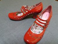 Gorgeous Hush Puppies Red patent leather shoes size UK 8 / EU 41