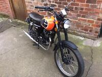 Herald Classic 125cc Learner legal motorcycle.