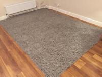 Grey rug 290cmx200cm practically brand-new