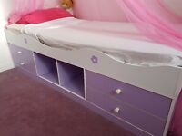 Girls cabin bed