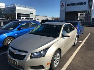 2014 Chevrolet Cruze 1LT  Only 10,000KM!!!!!