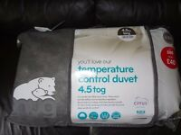 King Size Duvet SNUG Temperature Control 4.5 tog Summer / Non Allergenic / Brand New