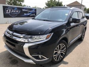 2016 Mitsubishi Outlander SE 4X4! heated seats! key-less entry!