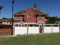 Large Semi-detached house in Feltham