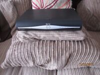 SKY PLUS + HD BOX DRX890W 500GB SLIMLINE BOX BUILT IN WIFI