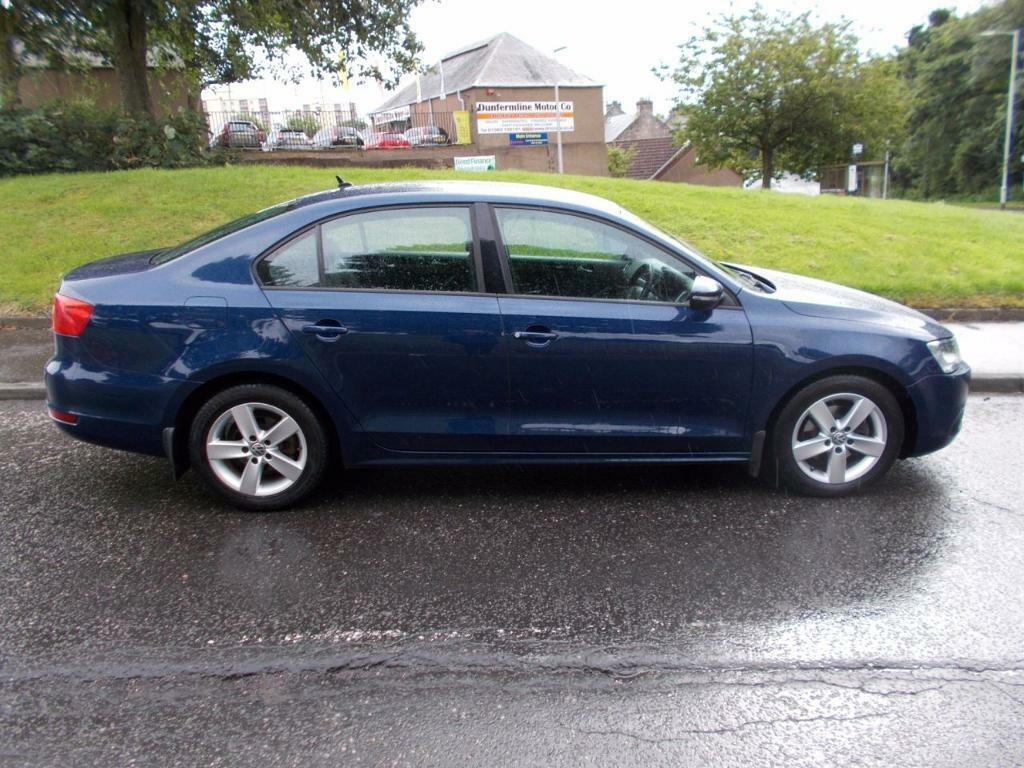 Volkswagen Jetta 2 0 Se Tdi 4d 139 Bhp Blue 2011 In