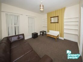 Two Bedroom well presented spacious 2nd floor apartment £500.00 available immediately