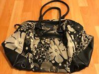 New Look Floral Weekend Bag