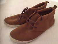 Mens Casual Canvas Shoes - Sand colour. Mens 42 / UK 8.5